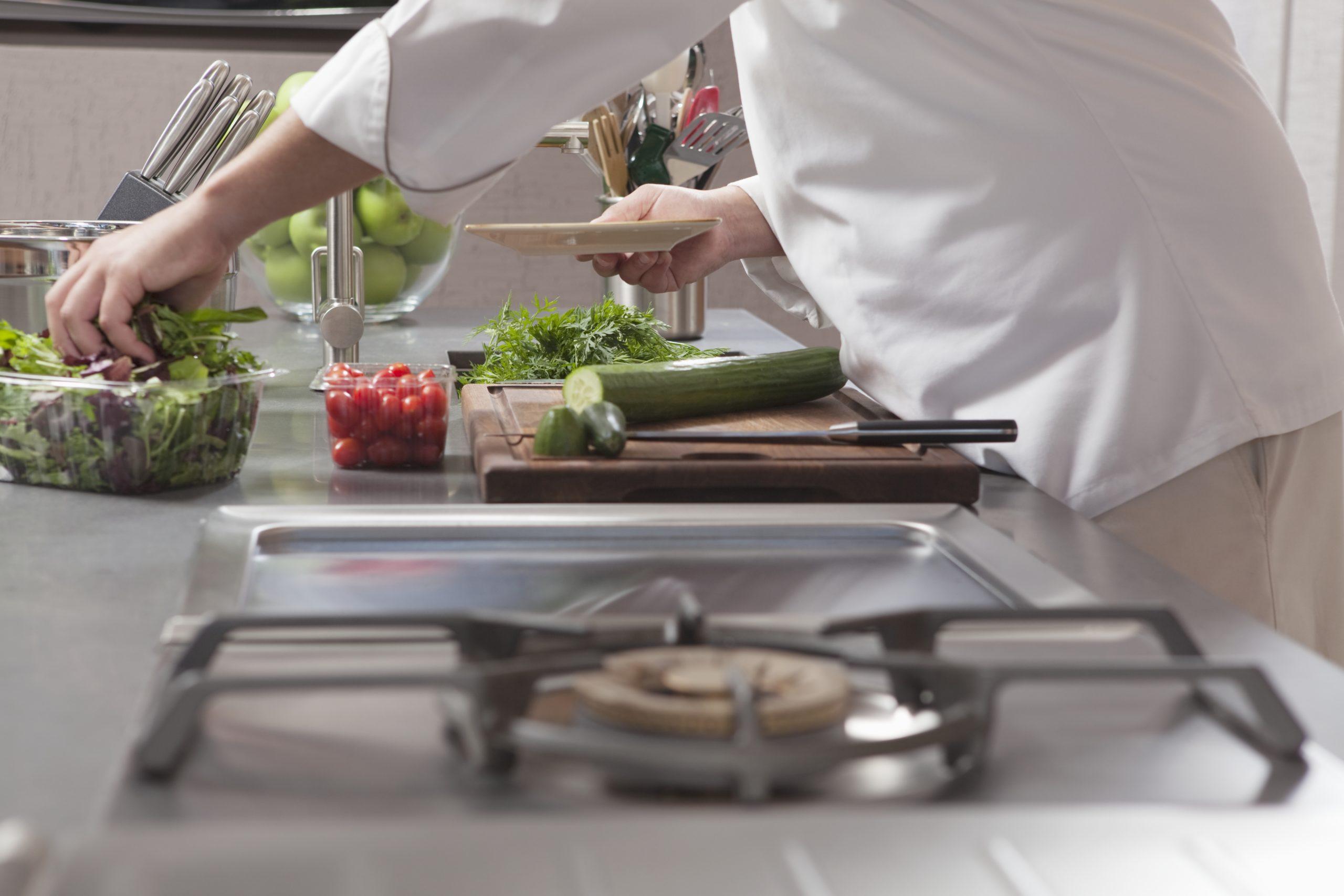 urządzenia gastronopmiczne w pracy kucharza